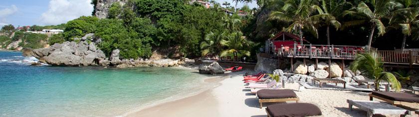 Sable chaud, lagons paradisiaques, bienvenue à la Guadeloupe